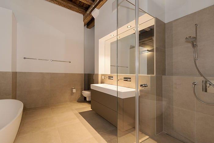 Umbauten einer Loftwohnung: Badezimmer