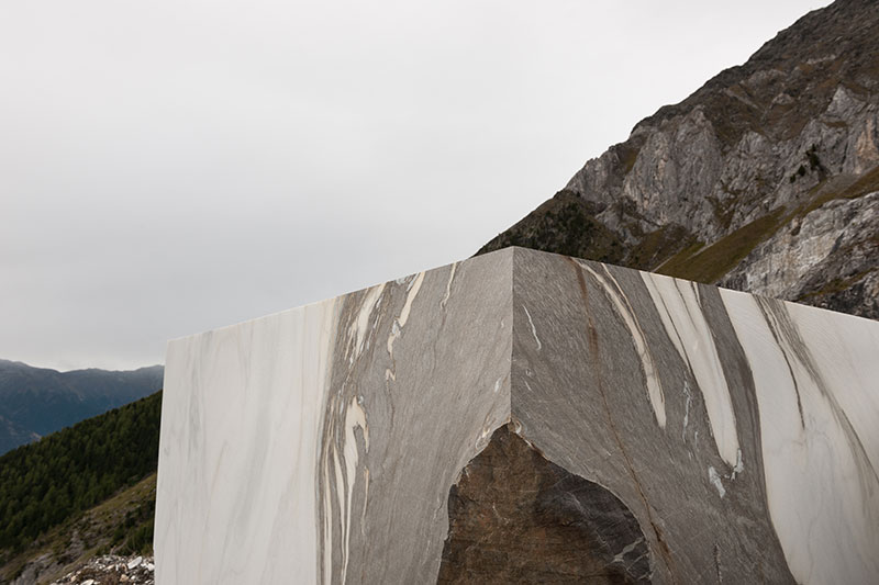 Steinblock im Steinbruch